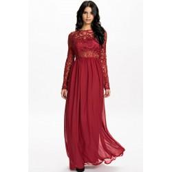 La robe de soirée dentelle et voile