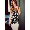 La robe à fleurs noire et blanches