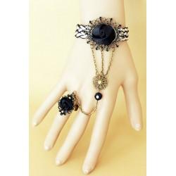 Le bijou de main noir et blanc