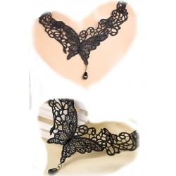 Le collier en dentelle papillon noir
