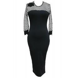 La robe gothique en résille noire