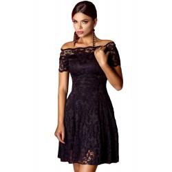 La robe épaules nues en dentelle noire