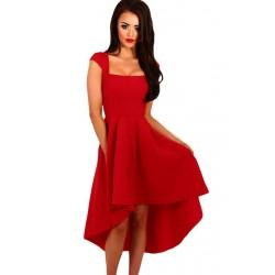 La robe de cérémonie rouge