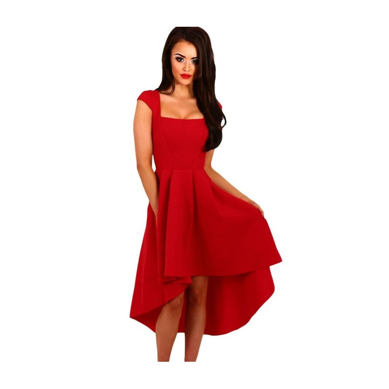 la robe de c r monie rouge sur bustiers et corsets. Black Bedroom Furniture Sets. Home Design Ideas