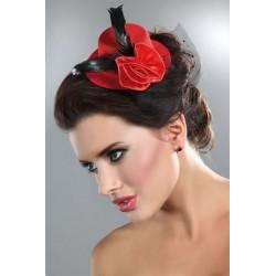 Le mini chapeau rouge et noir