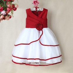 La robe de cérémonie rouge et blanche pour petite fille