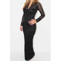 La robe longue en dentelle noire