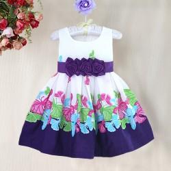 La robe fleurs et papillons violette