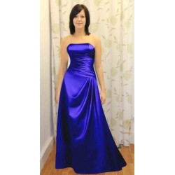La robe bustier de cérémonie en satin bleu