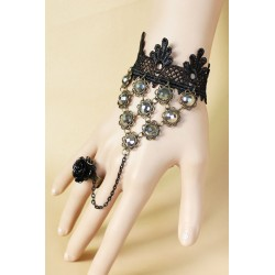 Le bijou de main façon pierres polies