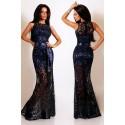 La robe de soirée bleue nuit
